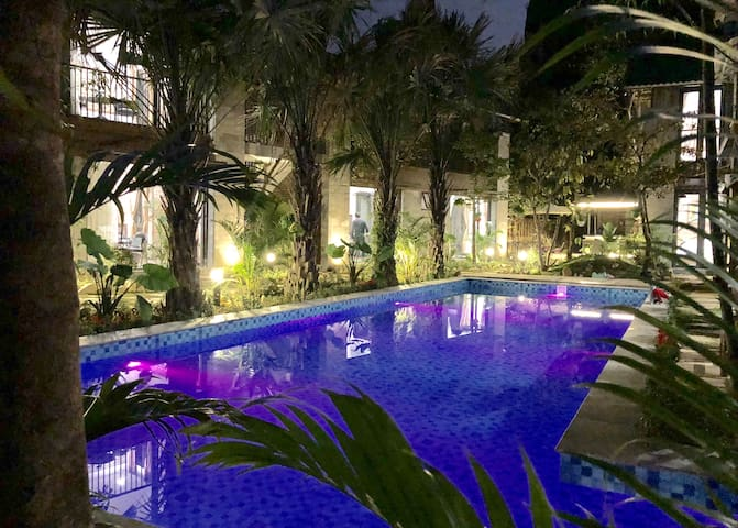 lighting pool, make a little paradise