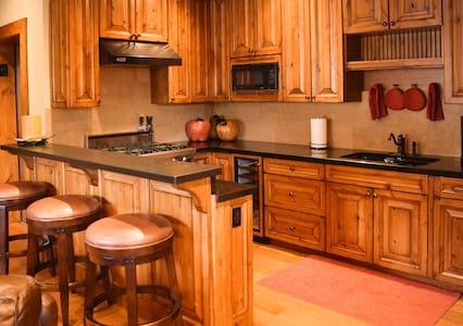Luxury Penthouse Apartment Downtown Ketchum - Appartement
