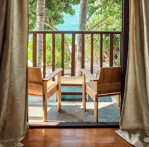 Thundi Guest House sea view room