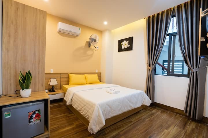 cheap room, near by beach