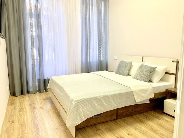 2 separate rooms in city center