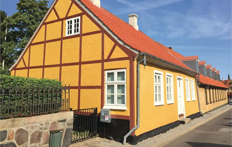 Holiday cottage with 2 bedrooms on 78m² in Nysted