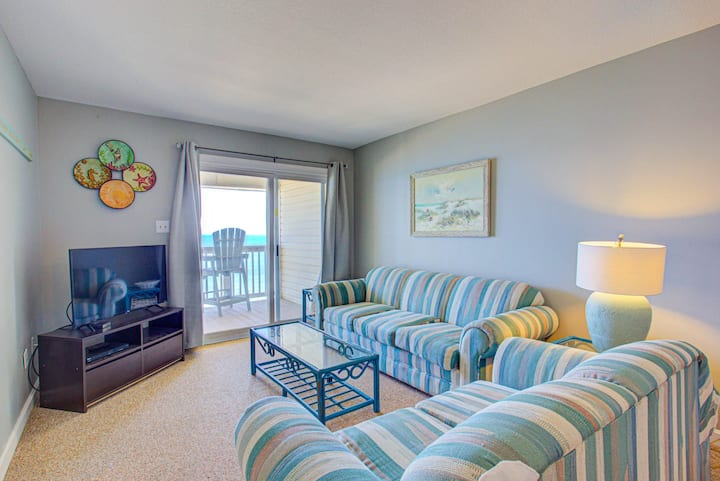 SC2C* Sands Shamrock* Oceanfront* community Pool* Walk to shops & restaurants
