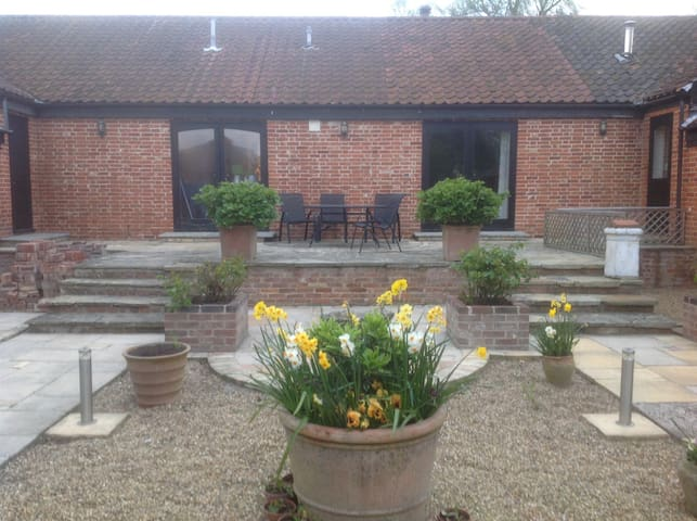 Peaceful Suffolk accommodation The Suffolk Byre - Beccles - Bed & Breakfast
