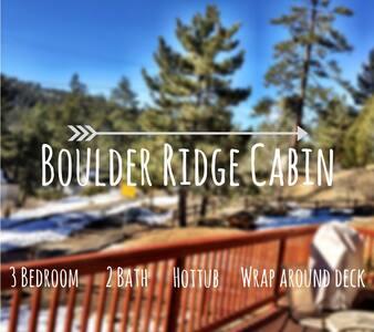 Prime Boulder Bay cabin w/ hot tub - Lac Big Bear