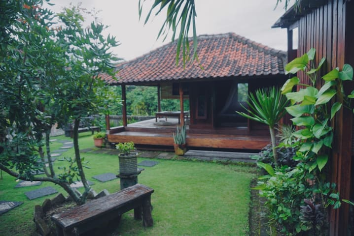 Ricefield View Backpacker Room on a Gazebo lombok