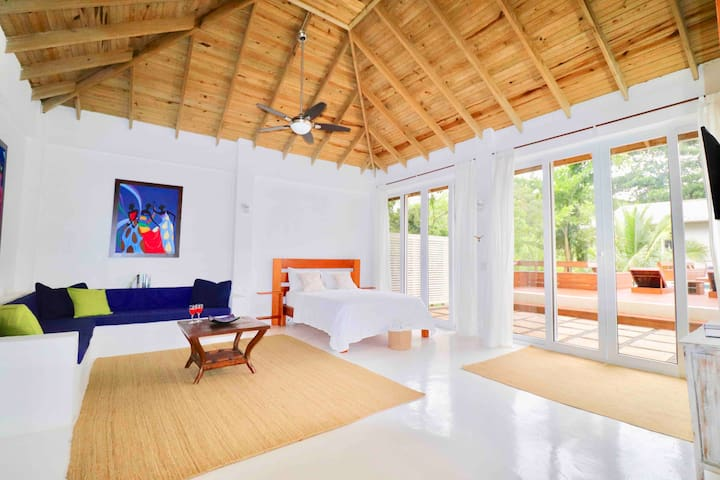 West Bay Luxury Casita