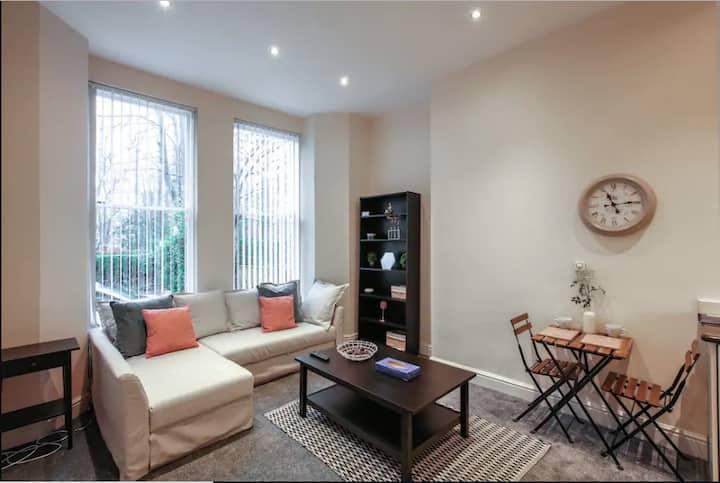 Lovely Apartment near Sefton Park