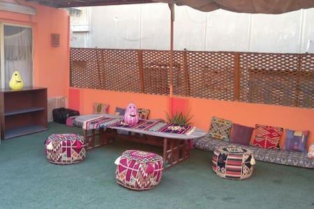 Sunny, clean& cozy Rooftop in the heart of zamalek