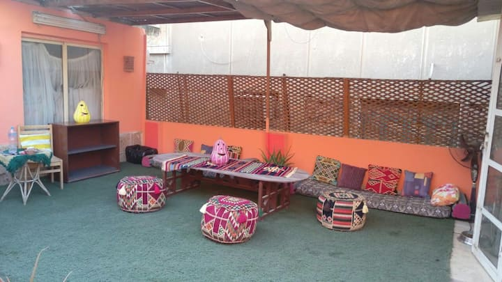 Sunny, clean& cozy Rooftop in the heart of zamalek