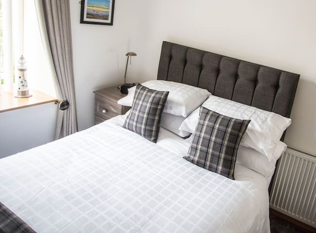 ByTheBay, B & B Cruden Bay,Aberdeenshire, Scotland - Cruden Bay - Guesthouse