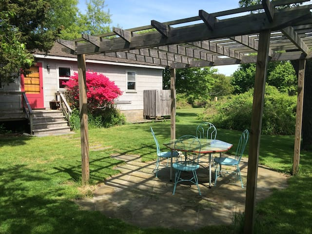 Secluded 1Br cottage on the lake, close to Ditch - Montauk - Hospedaria