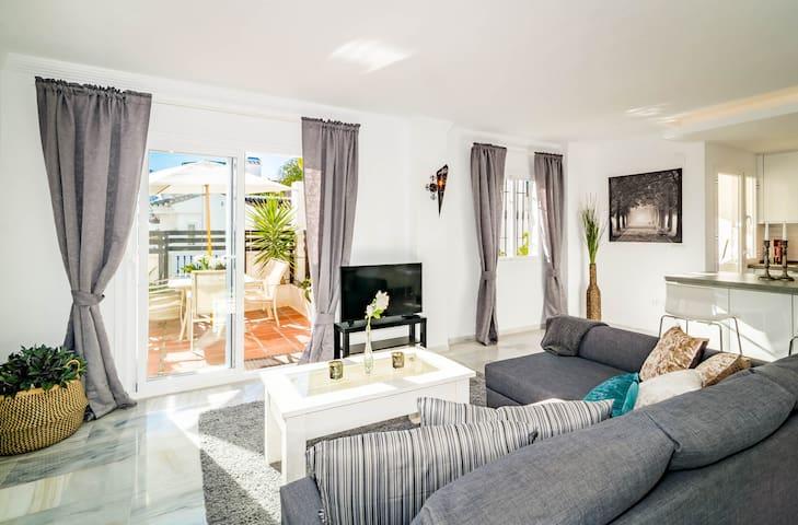 LNM- Modern 2 bedroom penthouse Puerto Banus