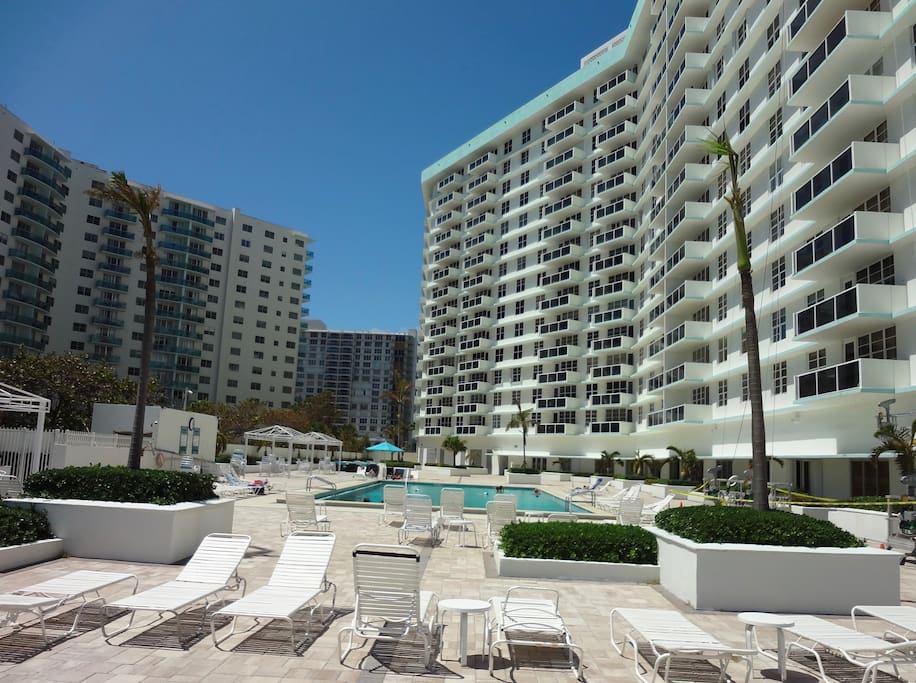 1 Bedroom Hollywood Beach Apartment Apartments For Rent In Hollywood Florida United States