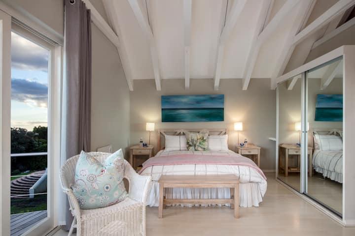 PROTEA Loft Cottage @ Grotto Beach