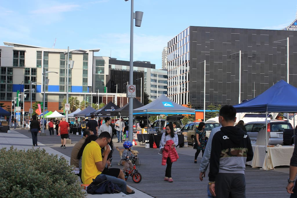 Sunday Market - Docklands