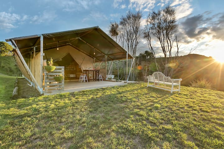Luxury Under Canvas - Fresian Family Tent