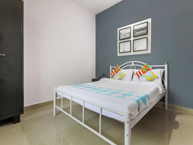 OYO Last Minute Deals! - Subtle 1BHK Palm-View Stay in Varca