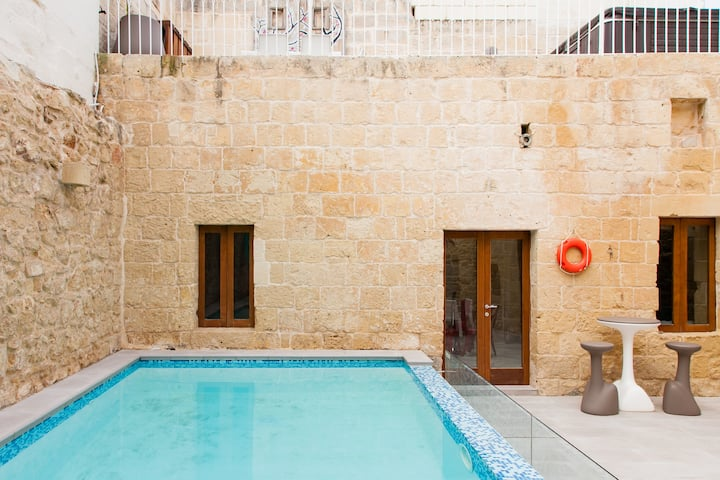 Rejuvenate in the Hot Tub and Pool at Ta Rozamari in Zejtun