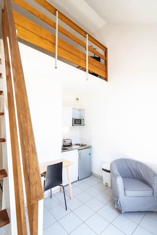LUMINOUS STUDIO IN THE CENTER OF AIX FOR 2 PEOPLE (75)
