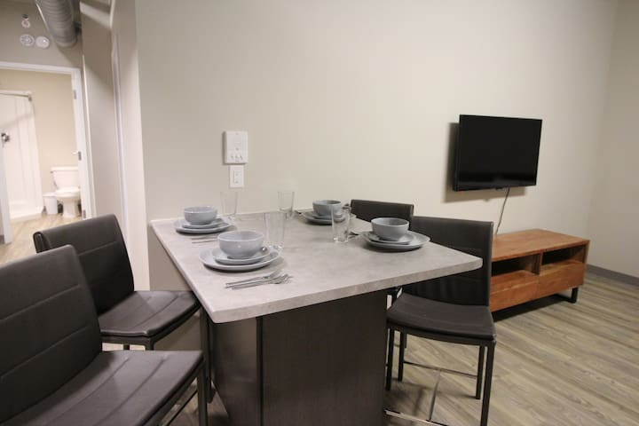 Downtown Niagara/St. Catherines Region Suites 207