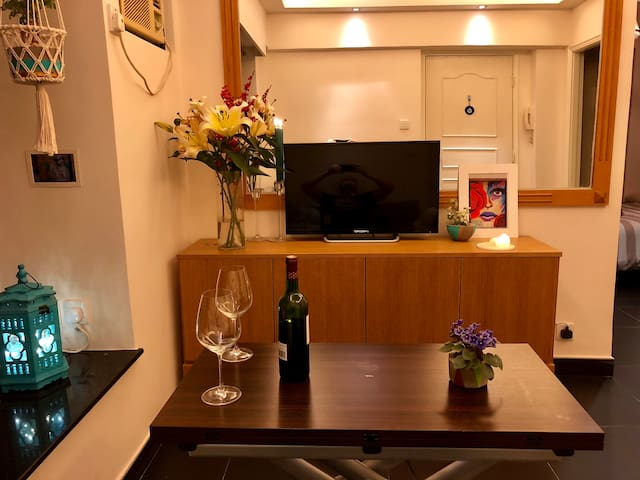 Incredible large cosy 1 bedroom apartment