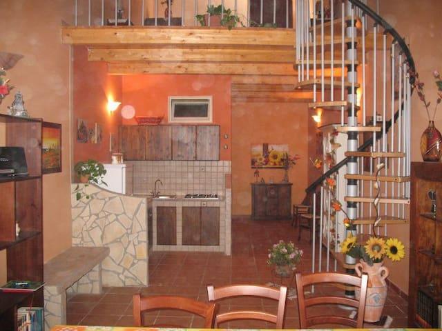 Grazioso appartamento ideale per una vacanza - อะโวลา - อพาร์ทเมนท์
