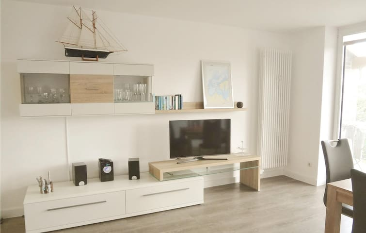 Holiday apartment with 2 bedrooms on 86 m² in Hohen Wieschendorf