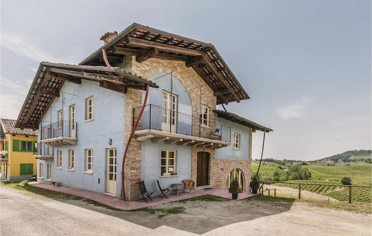Holiday apartment with 1 bedroom on 50m² in Monforte CN