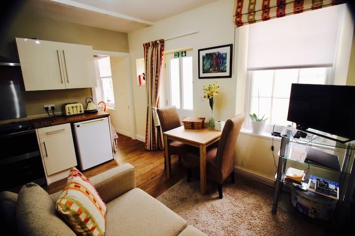 The Annexe, 4 Haldon Terrace, Dawlish, Devon, EX7