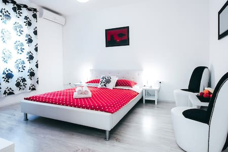 Fifi apartment w. parking in old town