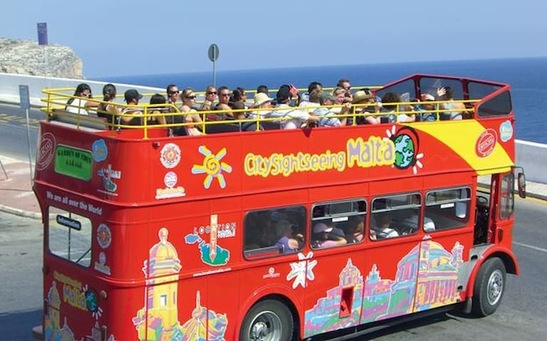 Sightseeing and Hop on Hop off bus pick up points nearby