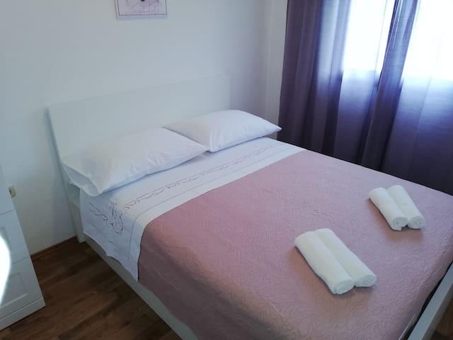 bedroom queen size