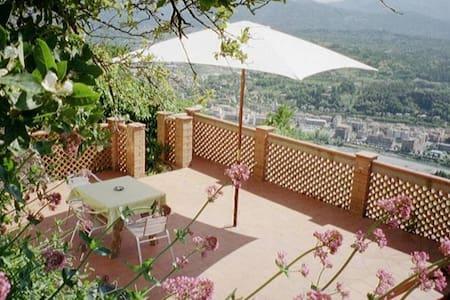 A Castle, a breathtaking landscape - Montale - Villa
