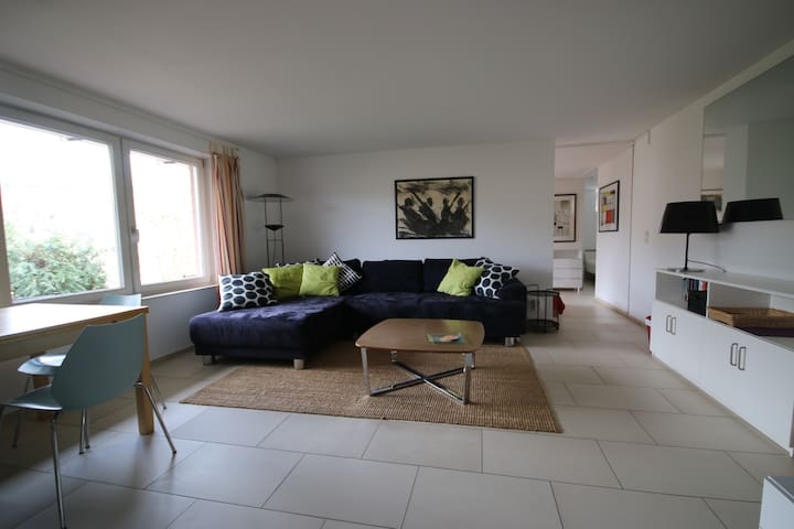 Spacious and modern 1 bedroom apartment (70 sqm)