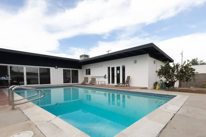 Pool House in Torrance 3 bd 2 ba with RV Parking