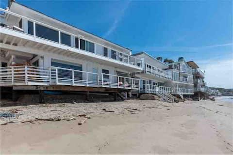 ⛱️Malibu Rd Ocean Front House Direct Beach Access