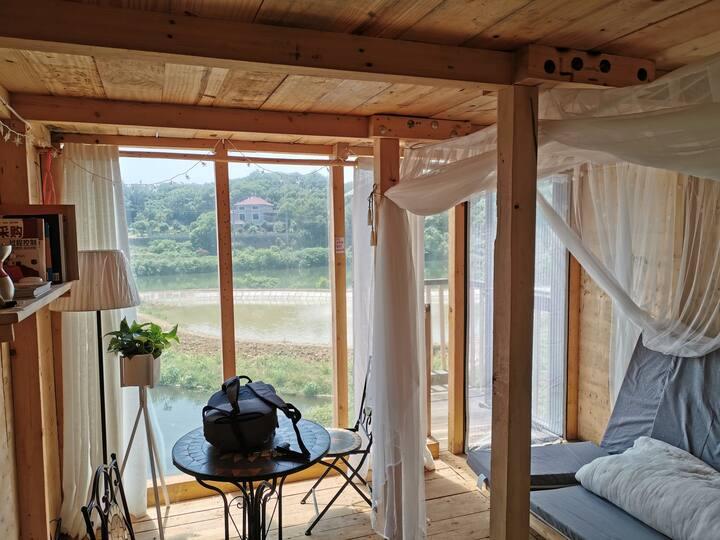 木趣.原木复式木屋,一客一独栋,适合小聚和休假。