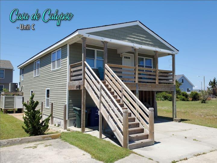 Casa de Calypso Unit C - Beachside, Dog Friendly!