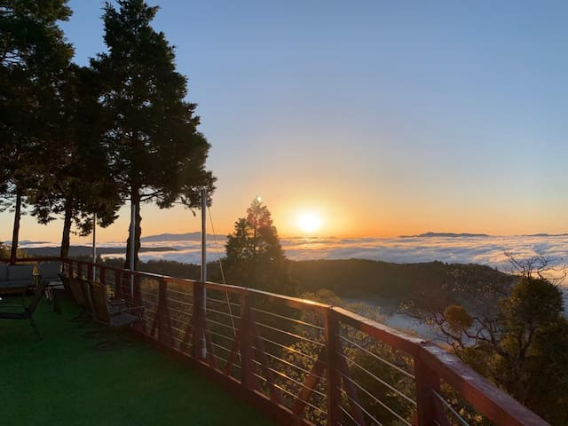 Palomar Luxstar - Spectacular Views with Sunrise!!