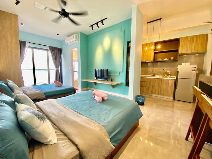 MWHolidayB2131 BLUE Sea View Suites 家庭海景套房(WiFi)
