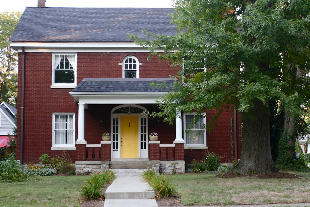 Large home across from historic Ashland Park/Henry Clay Estate and down the road from downtown.