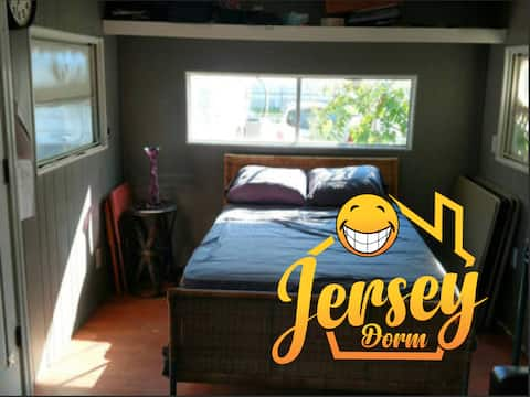 ☆☆Coed Shared Room See Reviews!!! Full Size bed 2Q