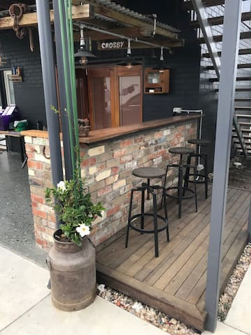 outside Bar/B.B.Q. area    ....good spot for a red  and a snag