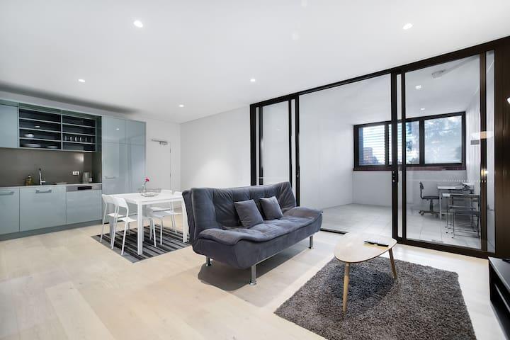 Strathfield 2BR fine Apartment near train station
