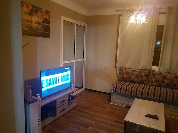 Appartement plein centre tlemcen(en face hôpital )