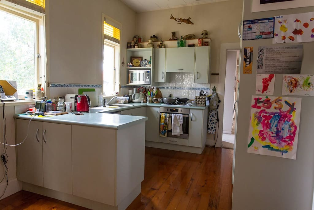 Nice modern kitchen with dishwasher, gas hob, oven and microwave.
