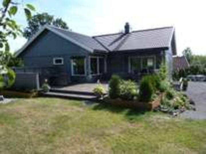 Stort, lyst og fint hus med god plass til hygge!