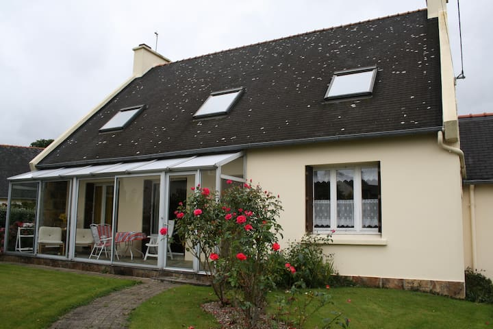 Maison chaleureuse rénovée - Ploudaniel - Dom