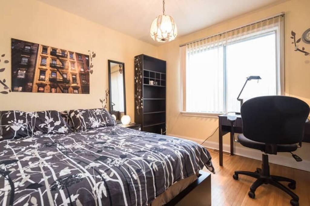 Very comfy bed and mattress, built-in lockable wardrobe, big window, hardwood floor